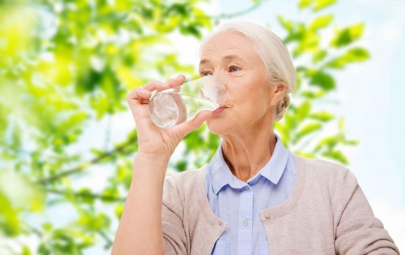 每天起床口干舌燥的原因每天口干舌燥该怎么办