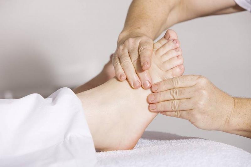 孕妇脚底板疼怎样按摩孕妇脚底板疼的病因
